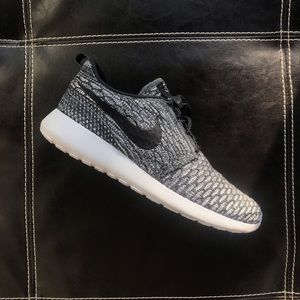 Nike flyknit Roshe run one shoes